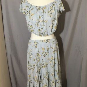 Xhilaration blue floral crop skirt combo